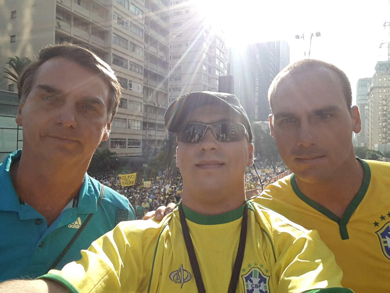 bolsonaros-selfie