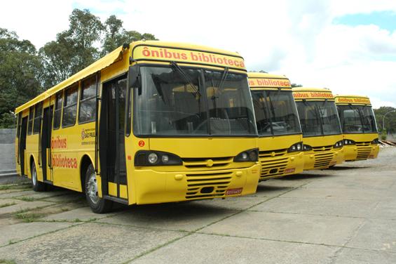 {{Ônibus doados pela SPTrans em 2008 - Foto: Prefeitura de São Paulo}}