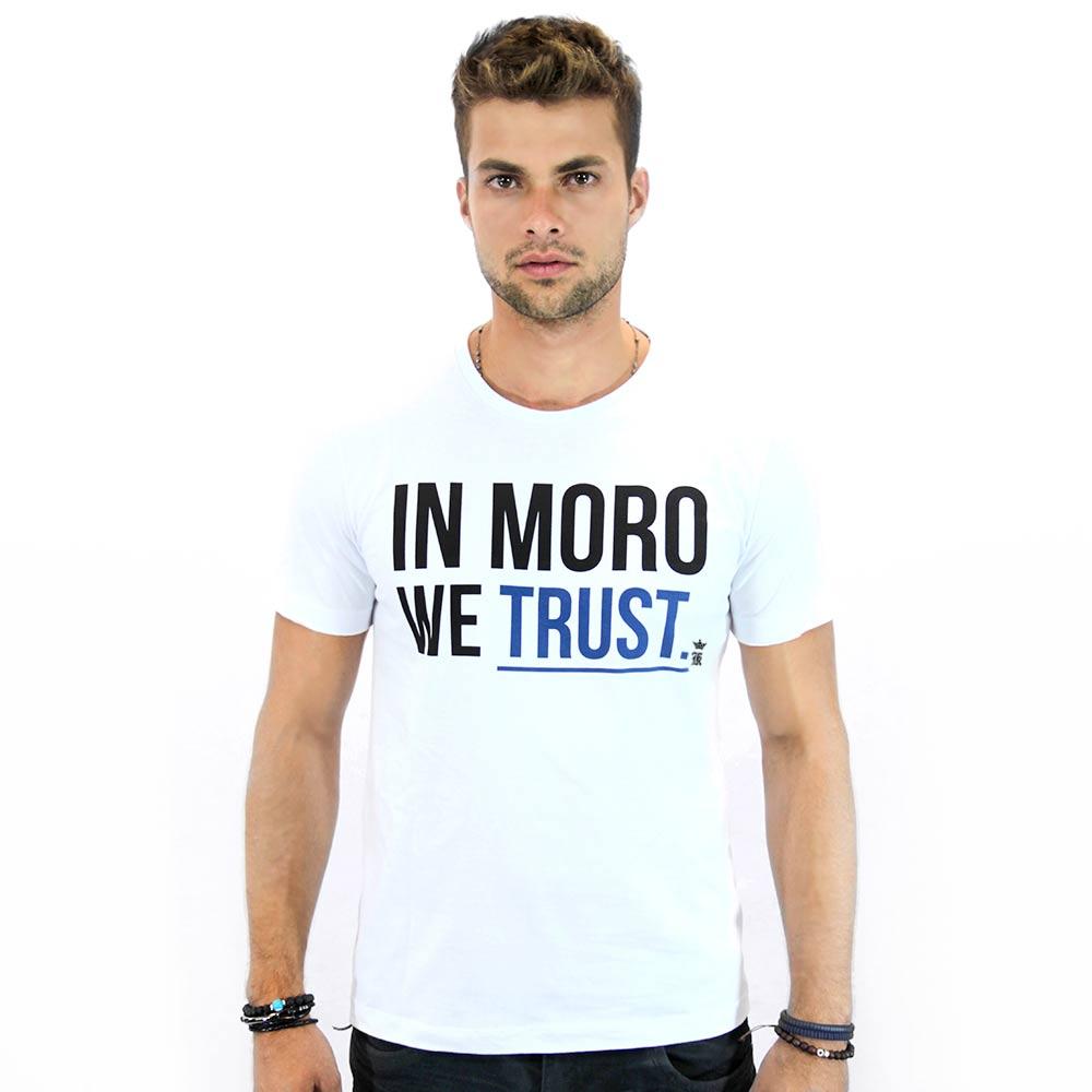 {{grife cria camiseta em 'homenagem' à Sérgio Moro}}