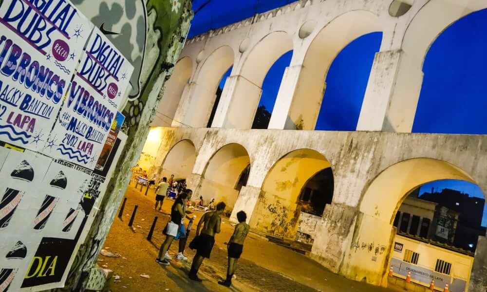'Mais morto que vivo': fechamento de lendário clube do Rio reflete crise cultural