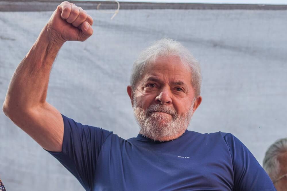 """Juristas estrangeiros pedem que STF liberte Lula, """"vítima de perseguição"""""""