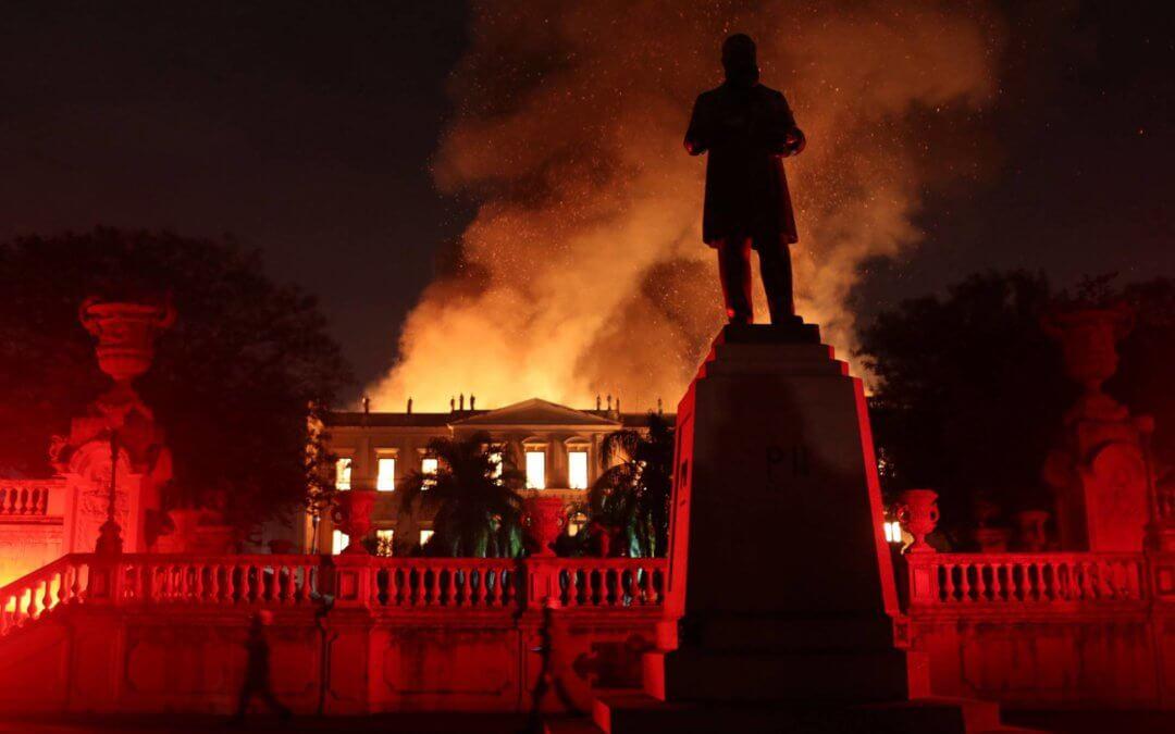 Brasileiros doaram R$157 mil ao Museu Nacional; em Notre Dame doações ultrapassam os bilhões