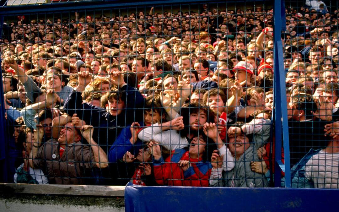 Há 30 anos, Margaret Thatcher culpava torcedores por uma das maiores tragédias do futebol inglês