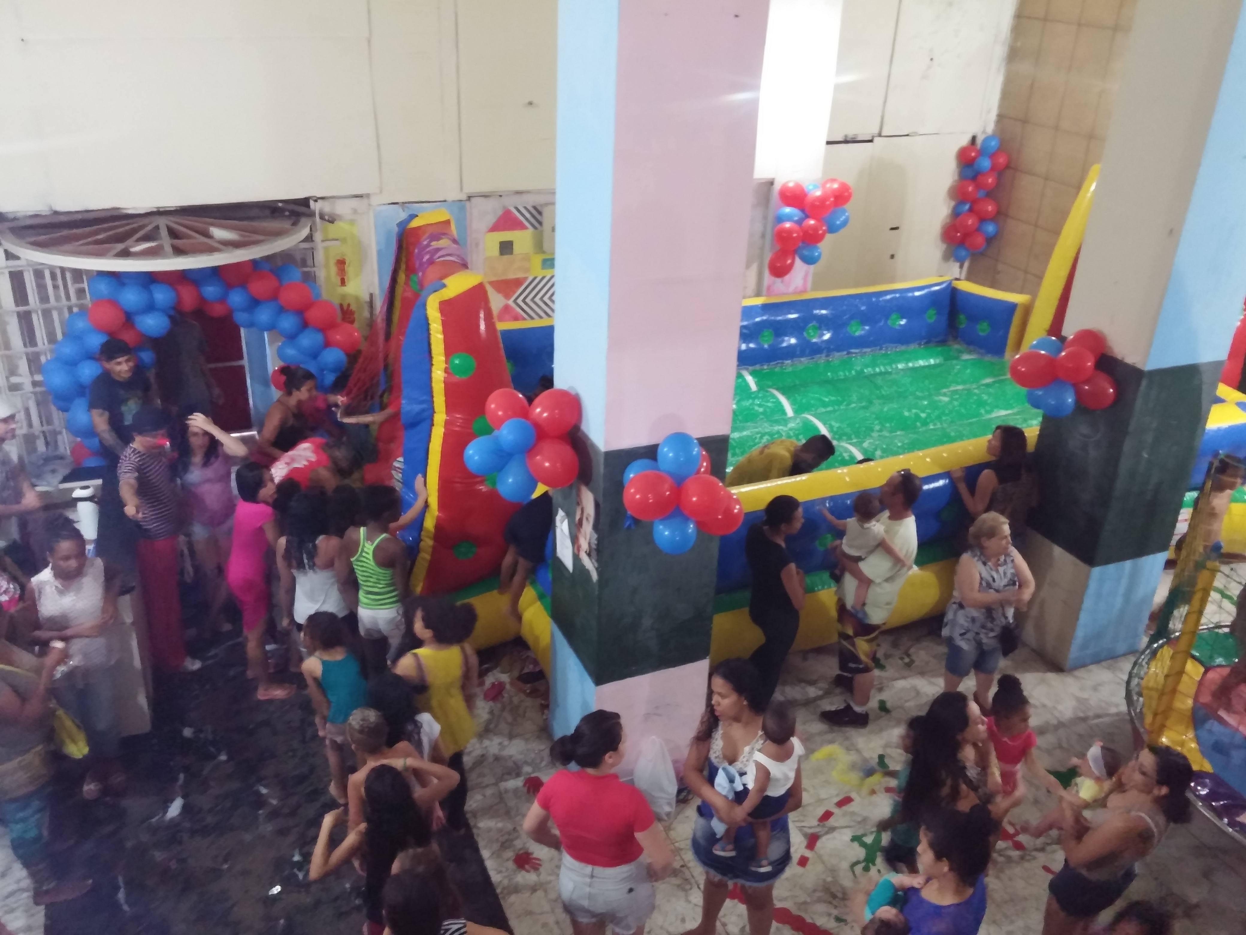 Festa do dia das crianças numa ocupação do MSTC, em 2015